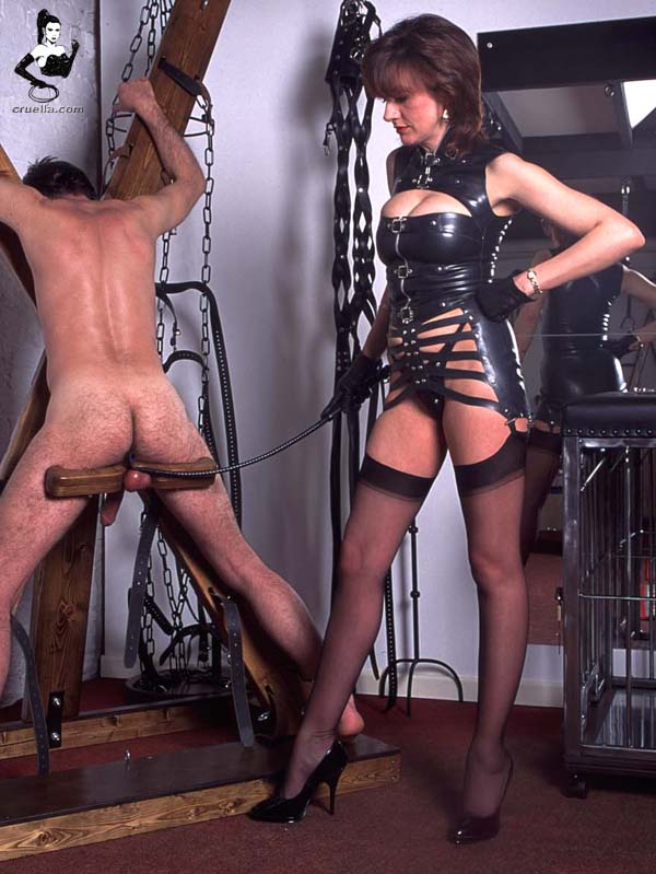 расстояния, долгие госпожа связывает истаивает раба сучки спермой губах